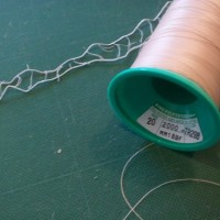 1.糸を用意。ポリエステルの20番。色がちょっとベージュだけど、まぁいいや。
