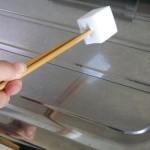 4.箸を合わせると力を入れてこすりやすくなります