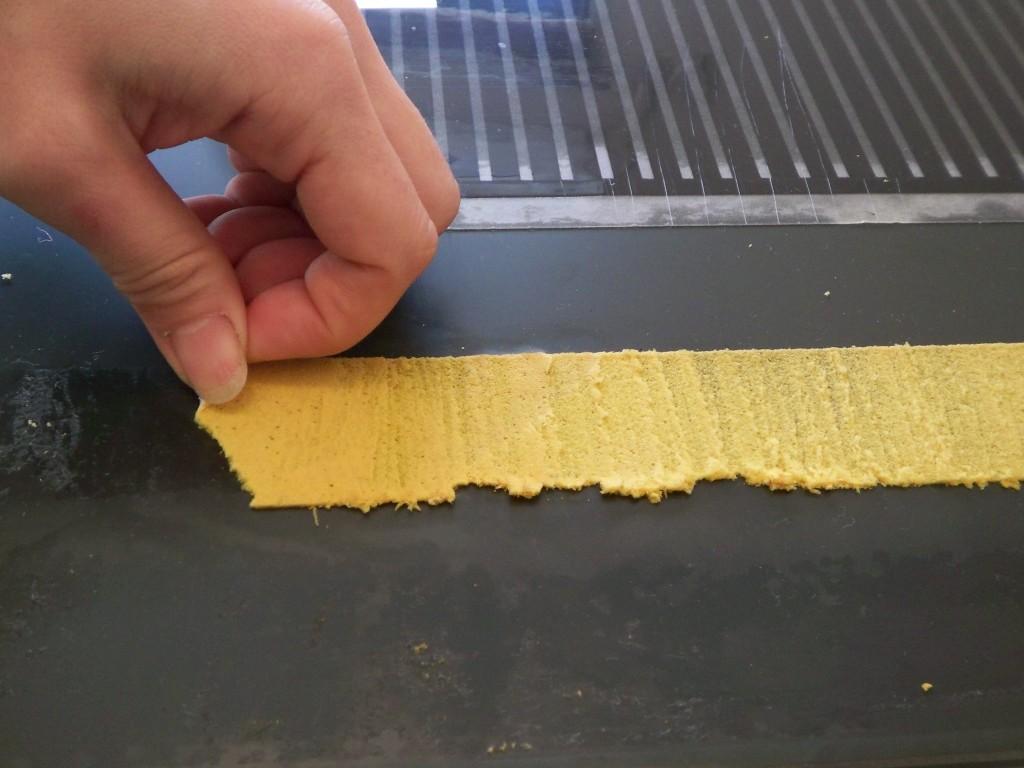 テープ 剥がし 方 粘着